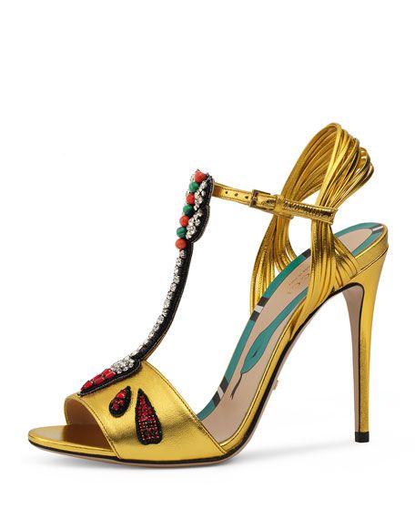 GUCCI Allie Arrow-Appliqué Leather Sandal, Oro. #gucci #shoes #
