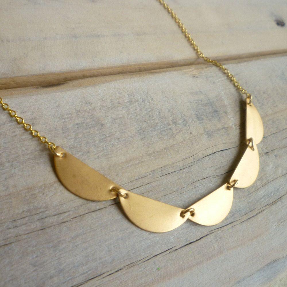 Geometric Scallop Necklace