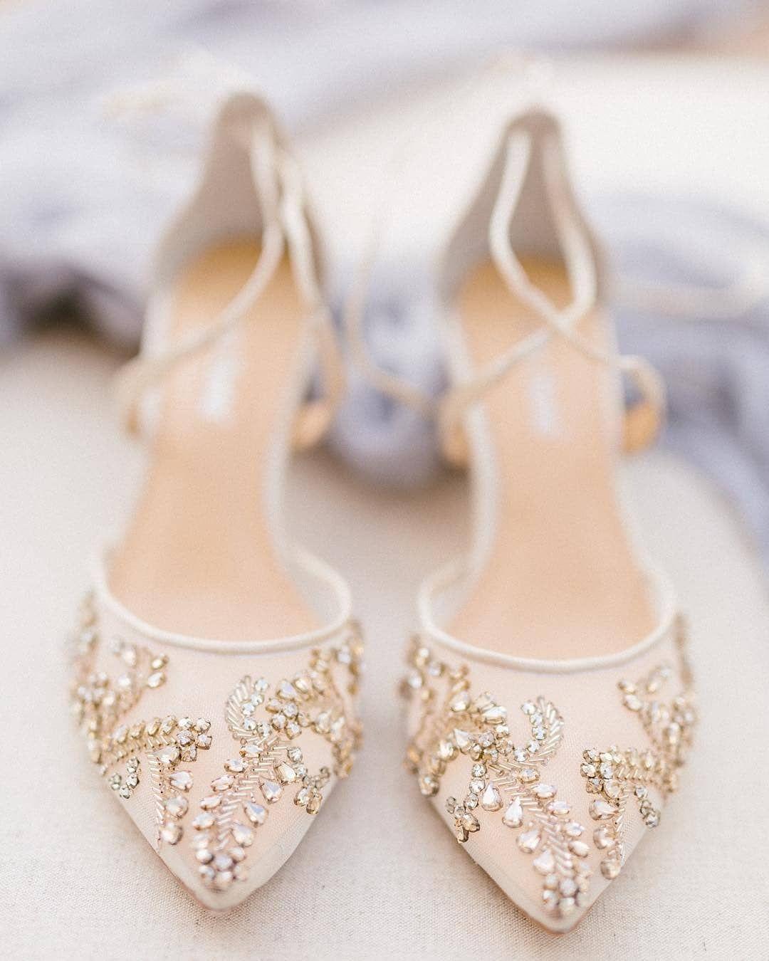 Buty Slubne Koniecznie Kryte Czy Sandalki Jakie Jest Wasze Zdanie Bellabelleshoes Wedd Wedding Shoes Heels Wedding Shoe Trend Bridal Shoes Low Heel