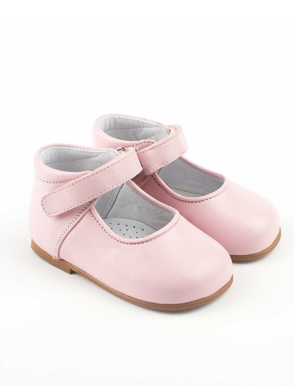 5ecbdcf9d6a1 Leather handmade first walking shoes for baby girls in soft pink ...