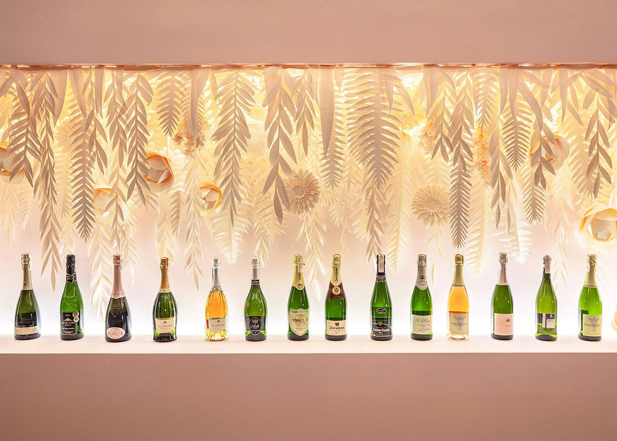 State-of-the-art champagne bar in Kiev | Innsides #artdeco ...