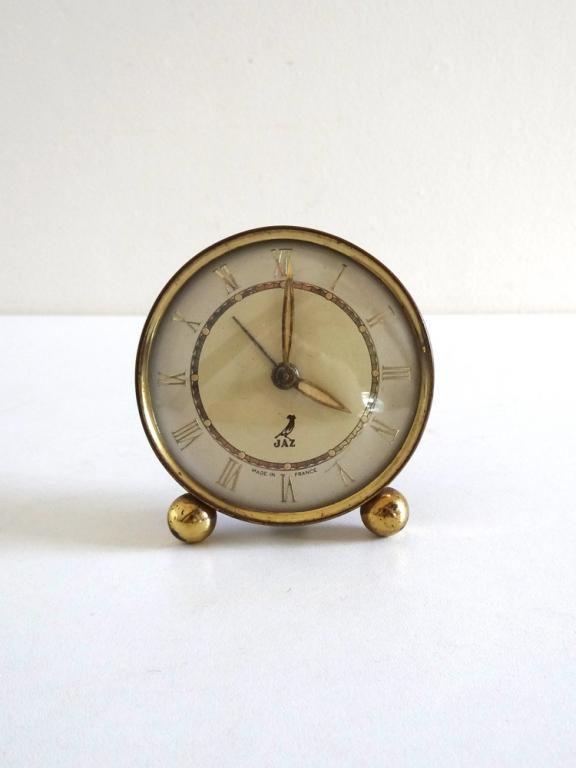 Réveil vintage Jaz années 50 doré   Pendule vintage, Vintage