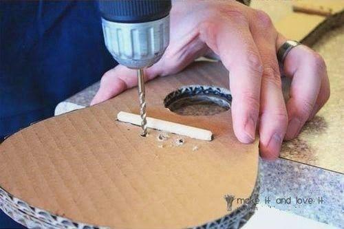 Kerajinan Tangan Dari Kardus Membuat Gitar Mainan 3 Cardboard