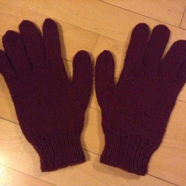 b6bd4f7d740 Hat and Gloves in Sirdar Country Style DK and Wash  n  Wear Double Crepe