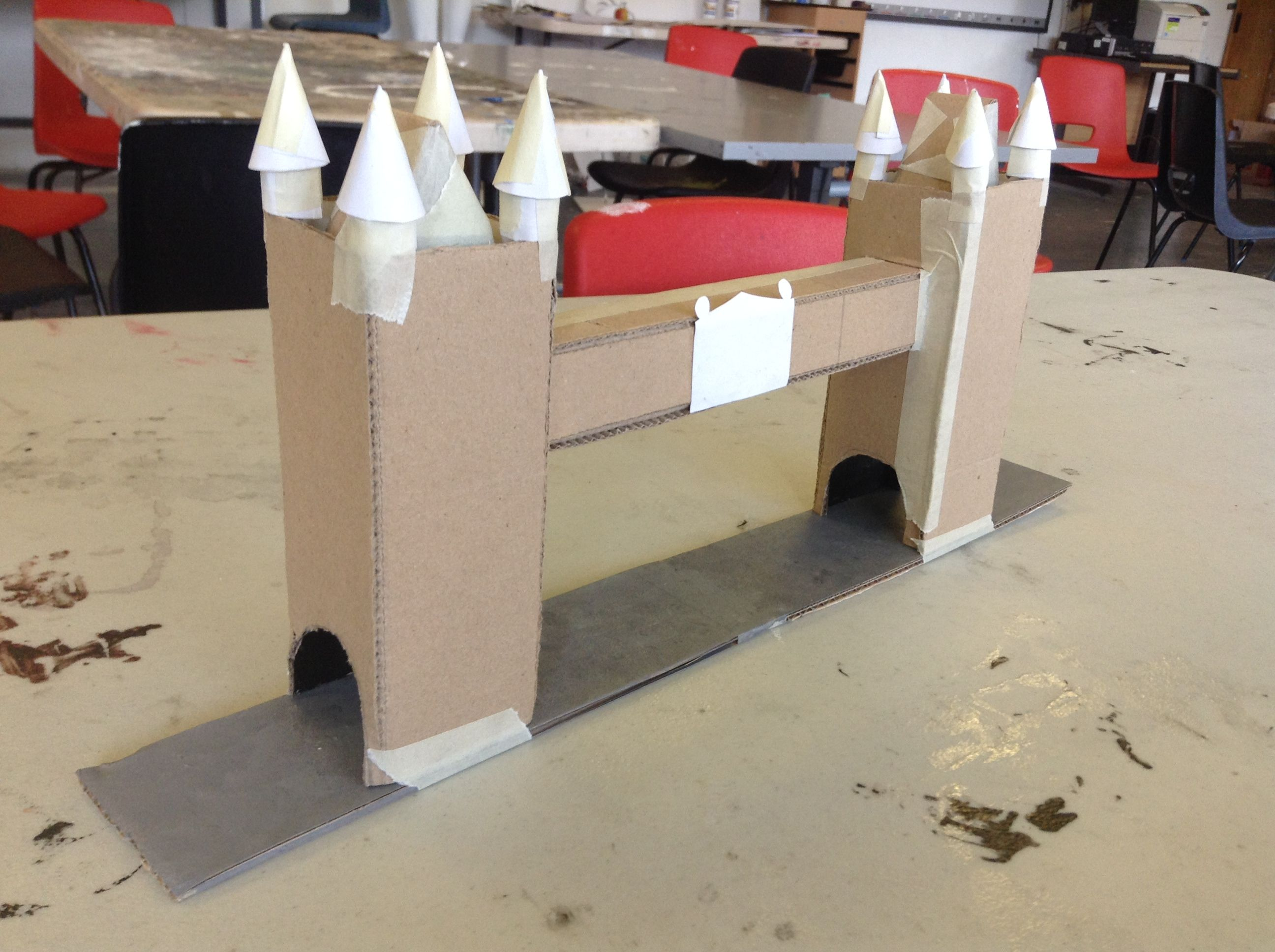 cardboard tower bridge google search paper house pinterest tower bridge school and. Black Bedroom Furniture Sets. Home Design Ideas