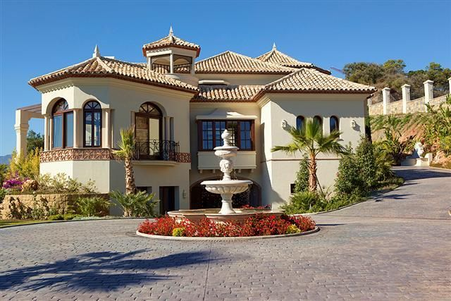 Una casa excepcional la mansi n hermes en marbella golf for Casas especiales