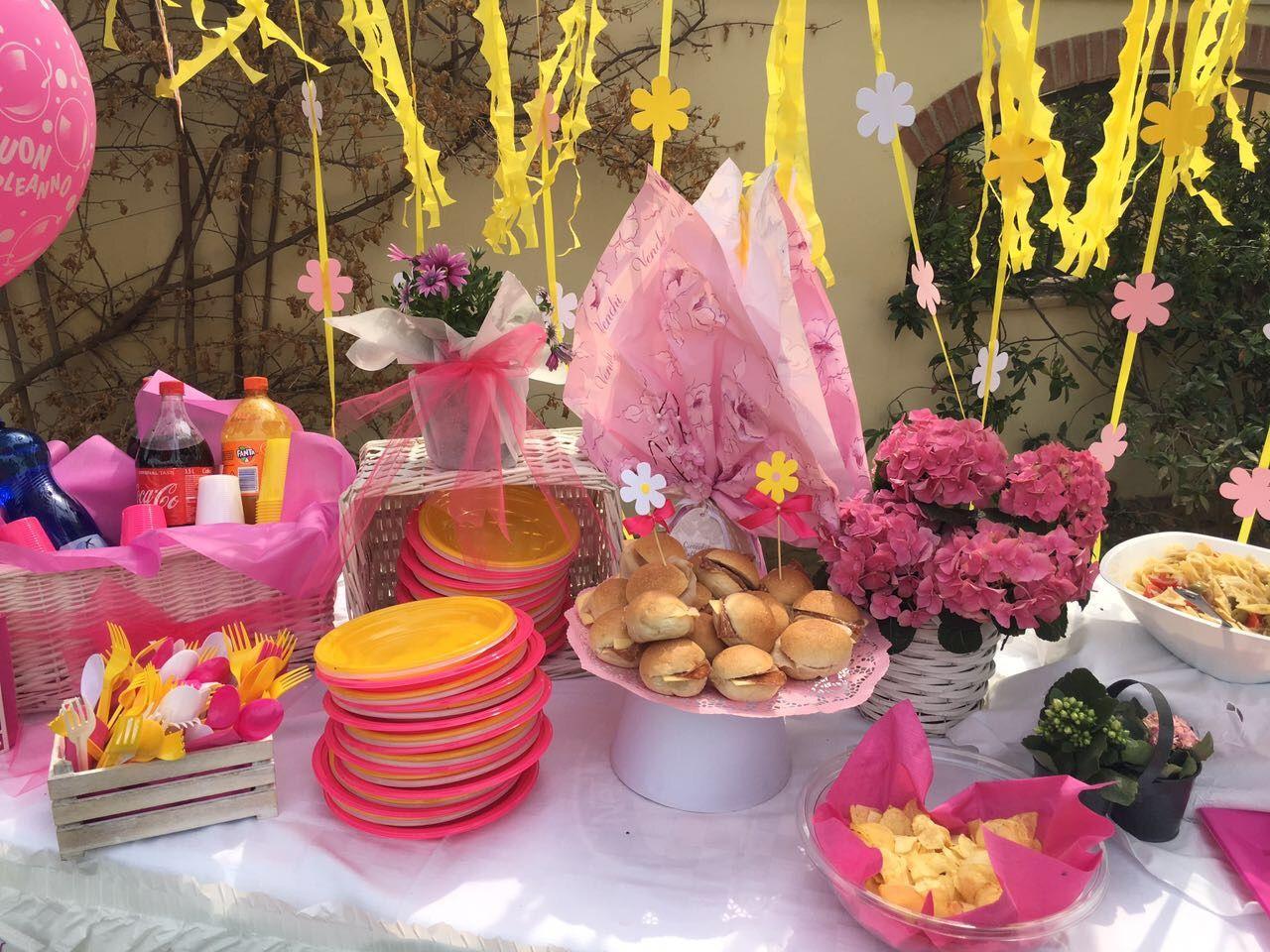 Tavolo Compleanno Bambina : Tavolo compleanno bambina fucsia giallo e bianco allestimento