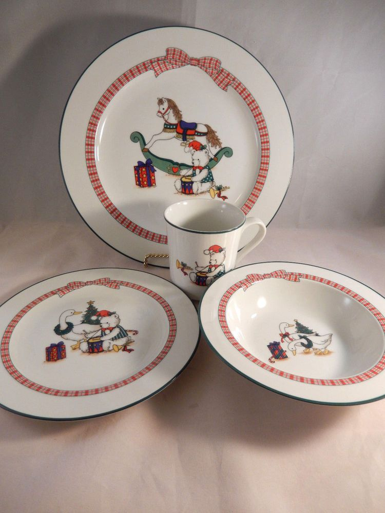 Anchor Hocking Holiday Memories Christmas Dishes 4 Piece Place Setting #AnchorHockingAnchorDinnerware & Anchor Hocking Holiday Memories Christmas Dishes 4 Piece Place ...