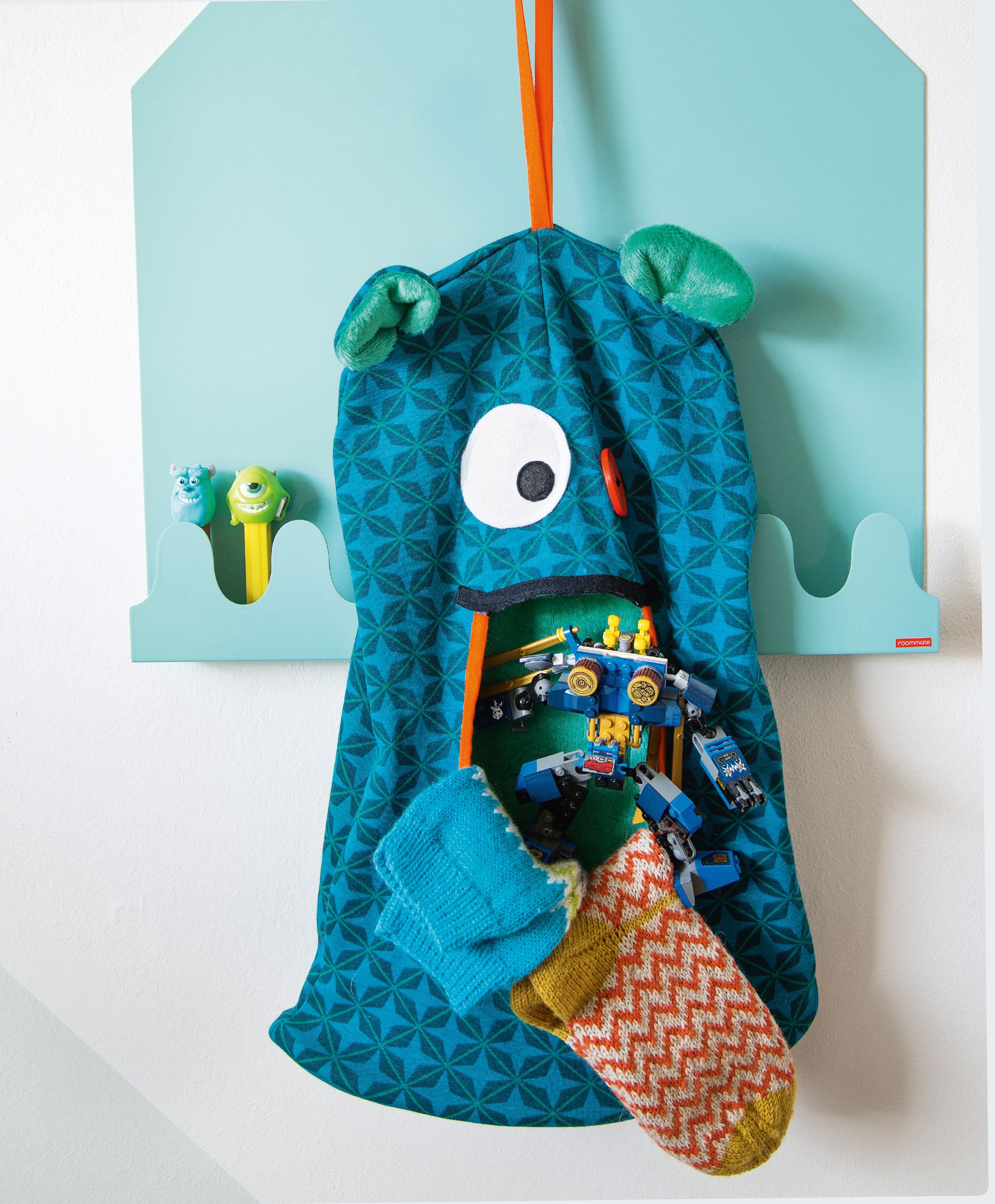 Kein Chaos im Kinderzimmer: Der Sockenfresser macht Ordnung ...