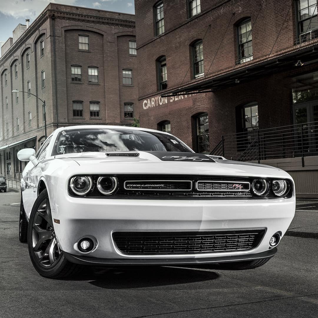 Pin de Cars Zone en Dodge en 2020 Automoviles, Autos