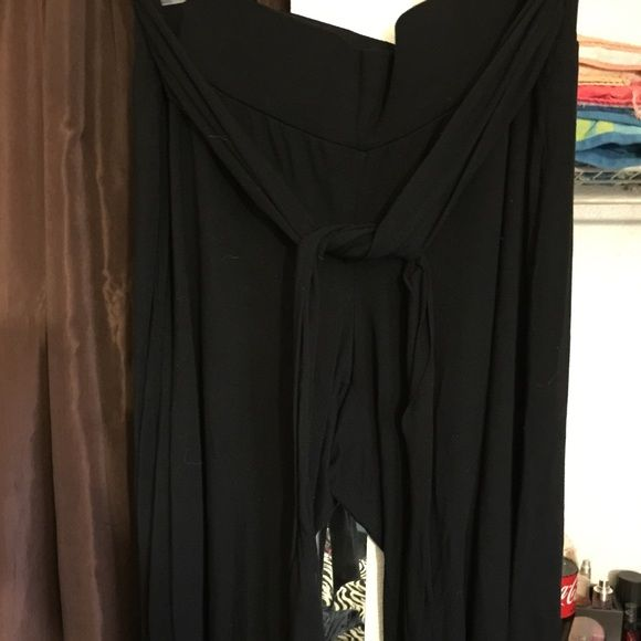 I just discovered this while shopping on Poshmark: Plus Size Gaucho Pants... Check it out! Price: $11 Size: 2X, listed by staceystegall