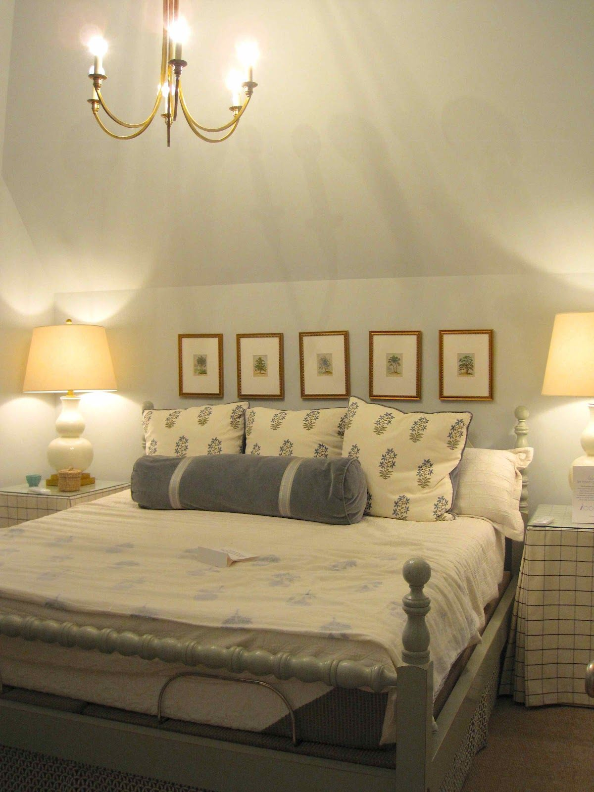 I really liked the wall color in this bedroom (Manchester 29-27 by ...