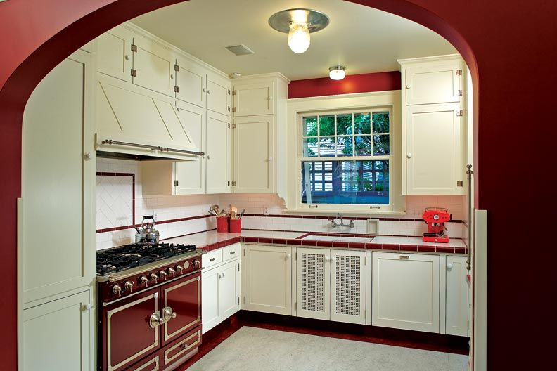 Red And White Are Classic In A 1940s Inspired Kitchen Photo By Andrew Buchan