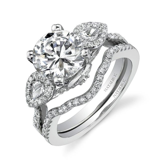 Oh just so pretty! Would be perfect with a thicker wedding band! <3 <3
