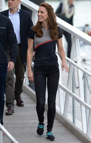 kate middleton gives us stylegoals in tight jeans sneakers  kate middleton gives us stylegoals in tight jeans sneakers