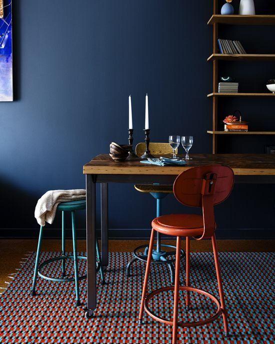 Die besten 25 dunkelblaue zimmer ideen auf pinterest - Rauchblau wandfarbe ...
