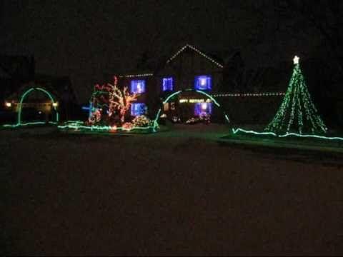 """Happy Birthday Jesus"" - Crazy Christmas Light Show in Livonia, MI ~~ 1 of my favorite Christmas ..."