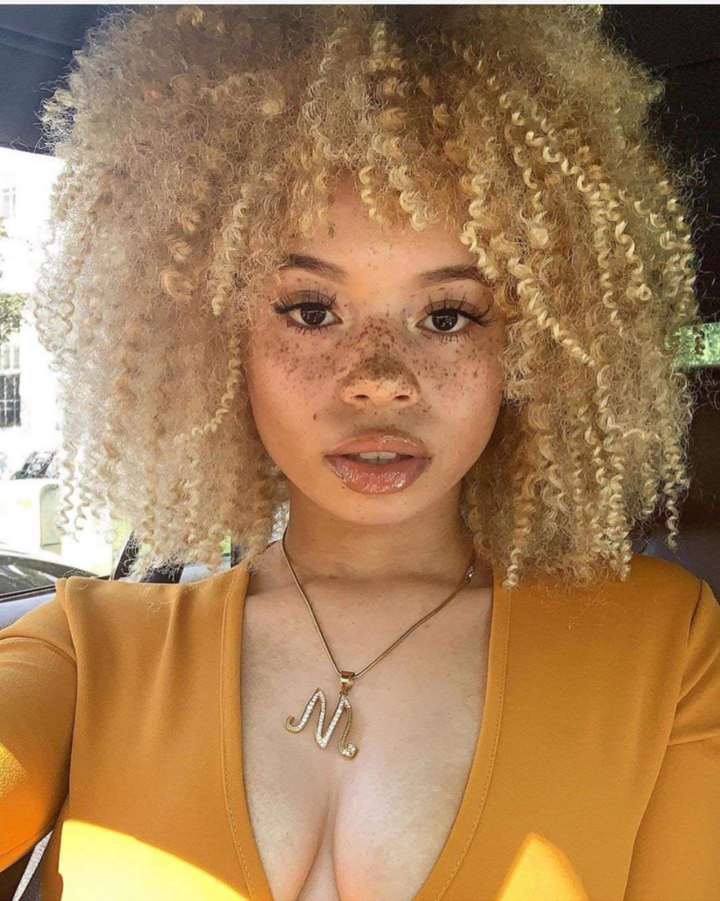 Over 40 Womens Christmas Hairstyle 2020 Pin by Cherri Ledbetter on hair in 2020 | Light skin girls, Black