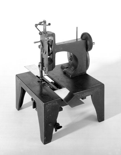 First Singer Sewing Machine Original Singer Sewing Machine 40 Magnificent Sewing Machine Repair Course