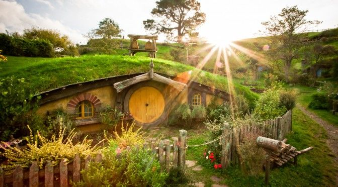 7 Amazing Houses Built Into Nature: 5 Extraordinary DIY Eco Homes
