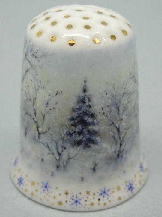 Angela Mamontova. 2015. Porcelana pintada a mano. Rusia. Thimble-Dedal-Fingerhut.: