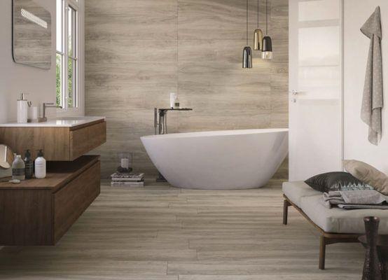 Houtlook tegels in de badkamer in houtlook tegels