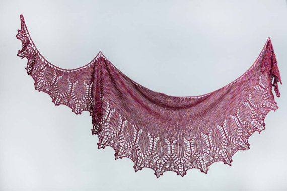Pink Lace Shawl Hand  Knitted di AtelierBusas su Etsy
