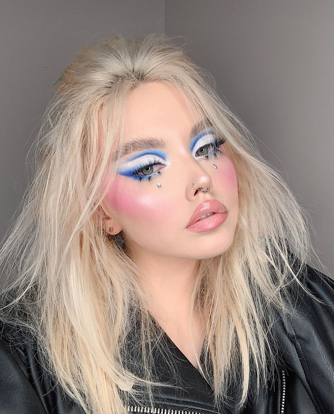 """erica' makeup artist on Instagram: """"80s⚡️ as soon as i got new @hauslabs palette it gave me major 80s vibes somehow so i messed up my hair and this happened девочки, в 80-х не…"""""""