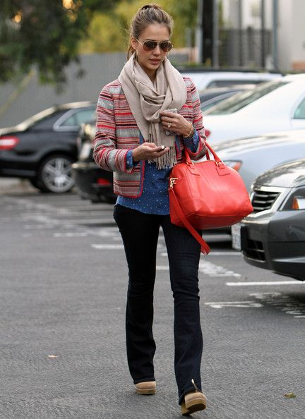 Jessica Alba Handbags Via Stylebistro