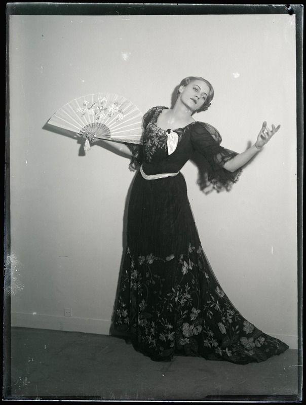 Lee Miller... Man Ray, 1930