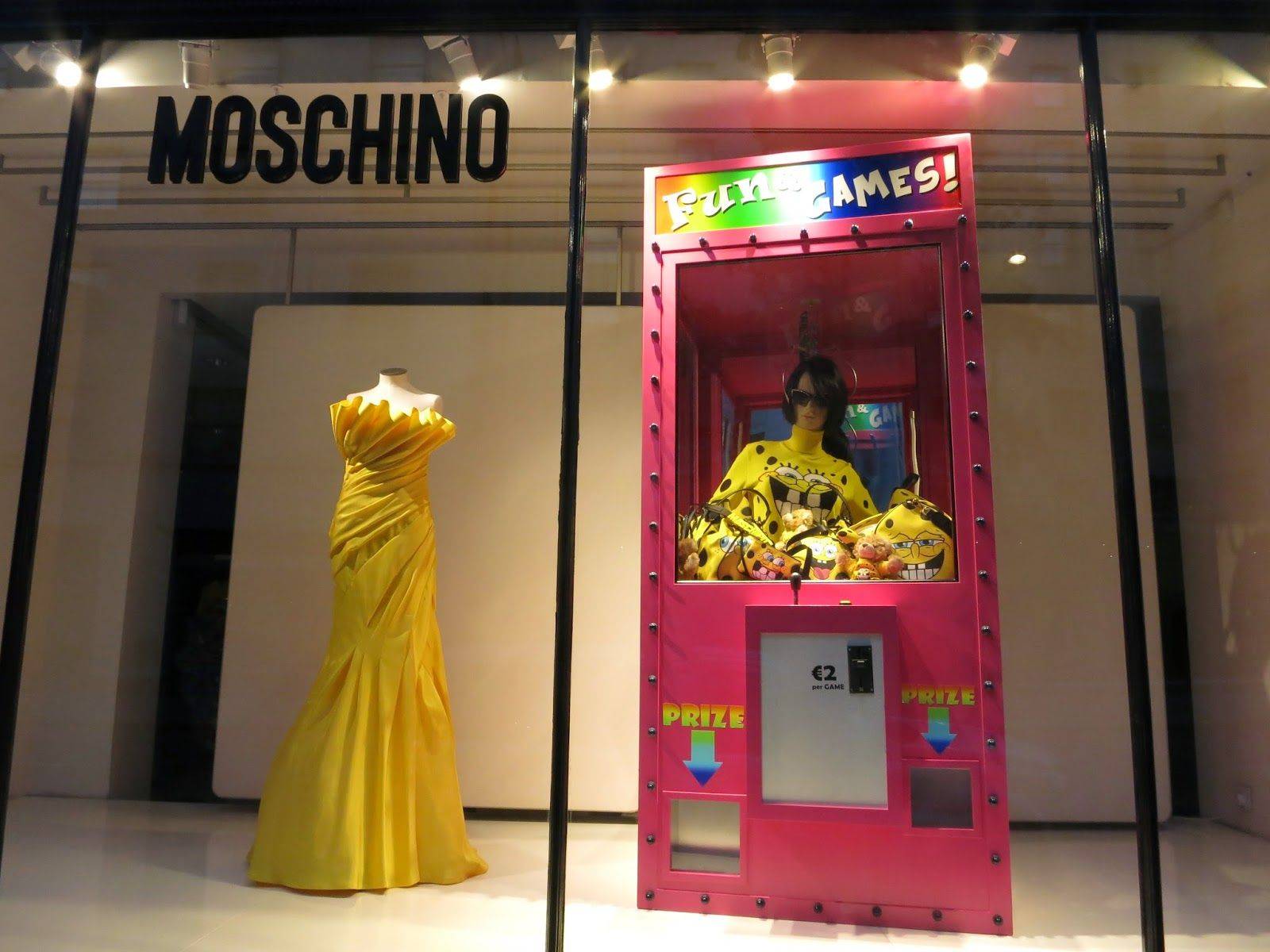 Moschino, London | window | Pinterest | Visual ...
