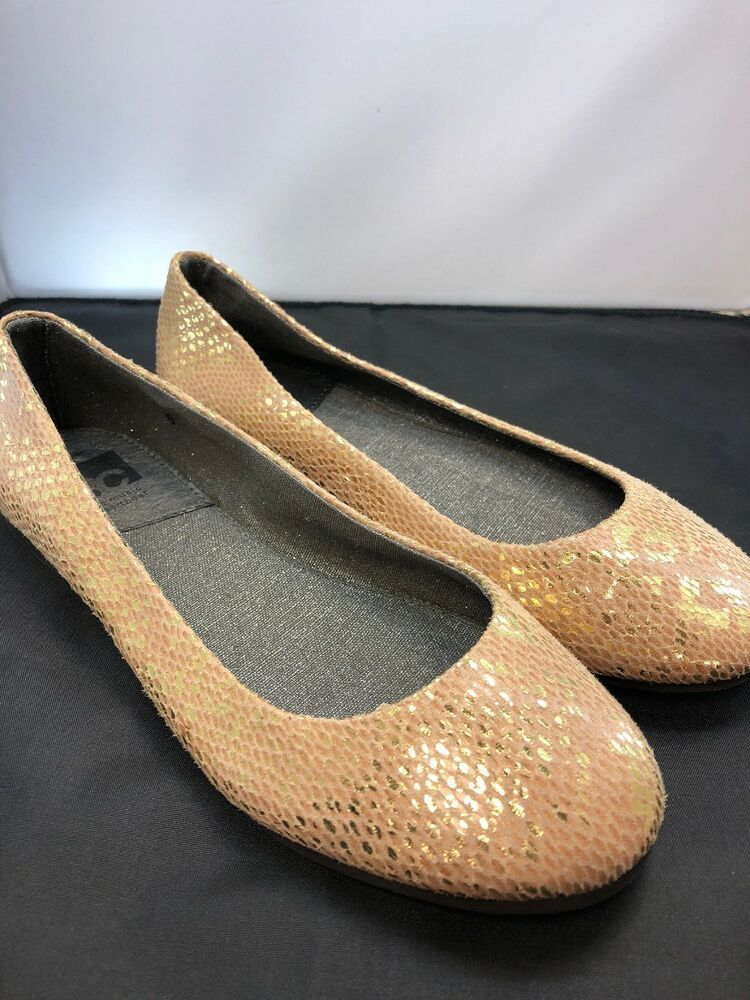 3672bb708bac Gold Sparkly BC Flats Womens Size 6  fashion  clothing  shoes  accessories   womensshoes  flats (ebay link)