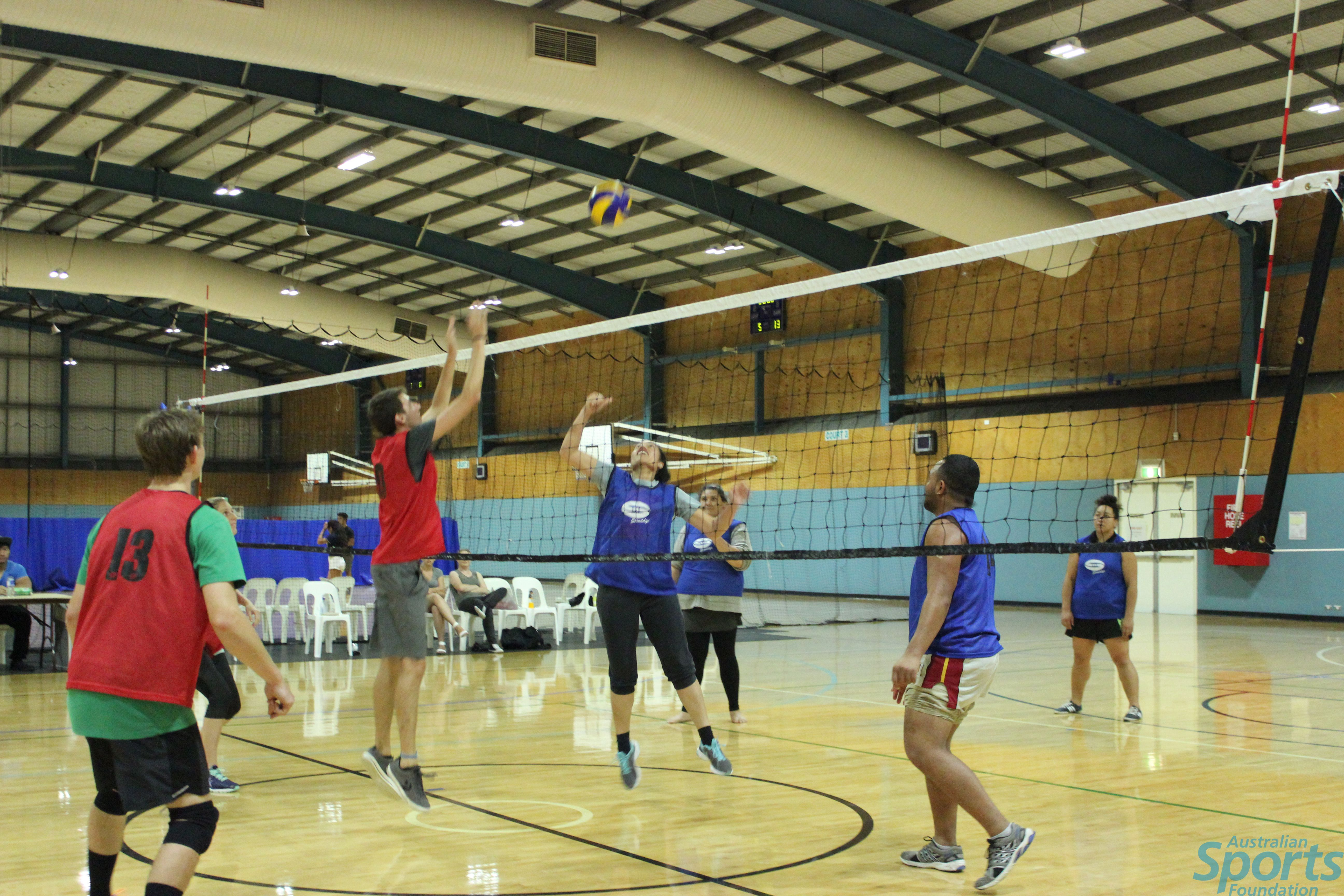 Who will push the DROPBEARS off their lofty perch tonight at 7pm? With 8 wins for the season they're on top leading the FREEBALLERS by 6 points  http://www.aehiqld.com/coomera-volleyball