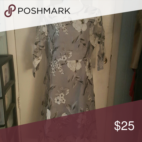 Dress polyester New Grey and white floral print sheer arms. XXL fits like a large not true to size Dresses