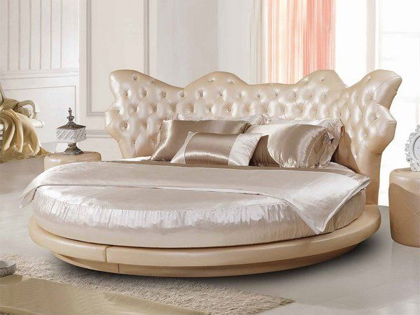 Luxury Bedroom Furniture Round Bed Tufted Headboard Bedding Set Decorative Pillows