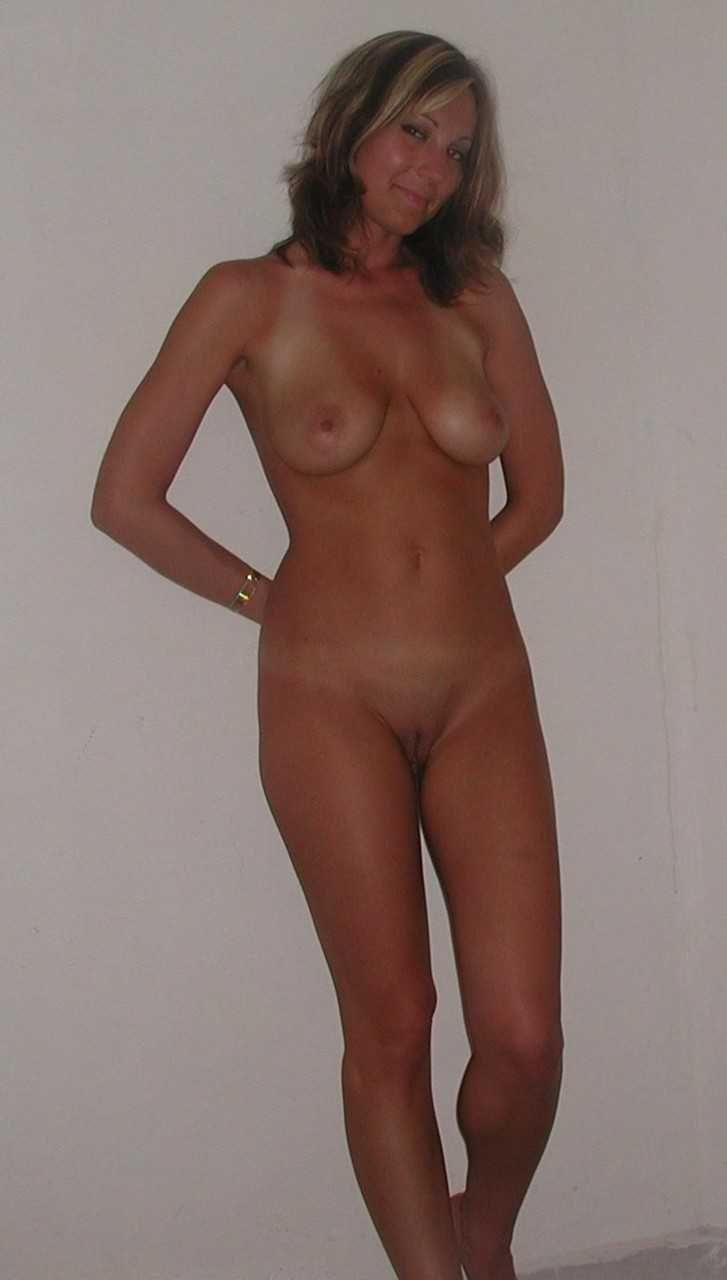 beautiful naked local women