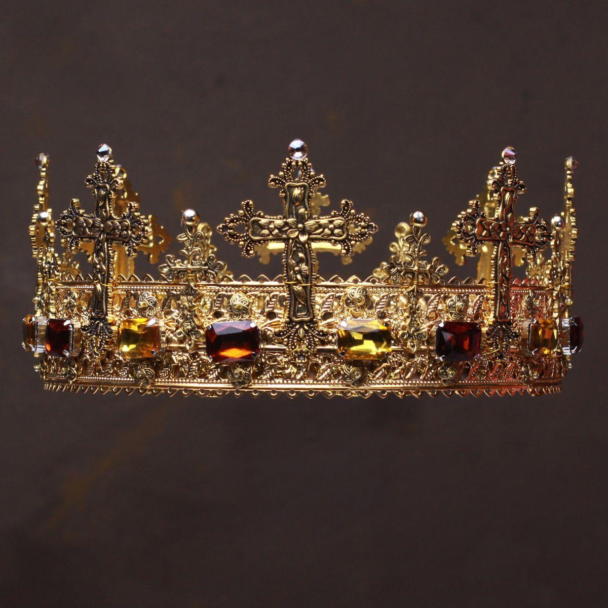 Diálogo Sin valor Garganta  Pin by Luhan FP on Lion King Dystopia   Medieval crown, Gold king crown,  Kings crown