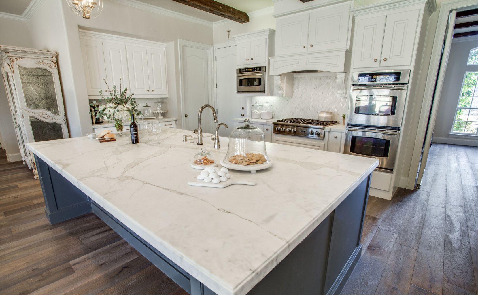 Image Result For Calacatta Gold Kitchen Calacatta Marble Kitchen Calcatta Marble Kitchen Marble Countertops Kitchen