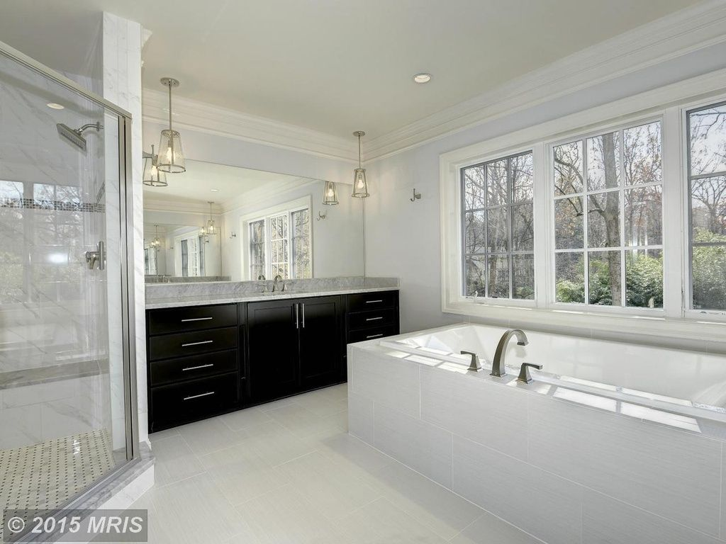 Traditional Gray Bathroom Design Ideas u0026 Pictures