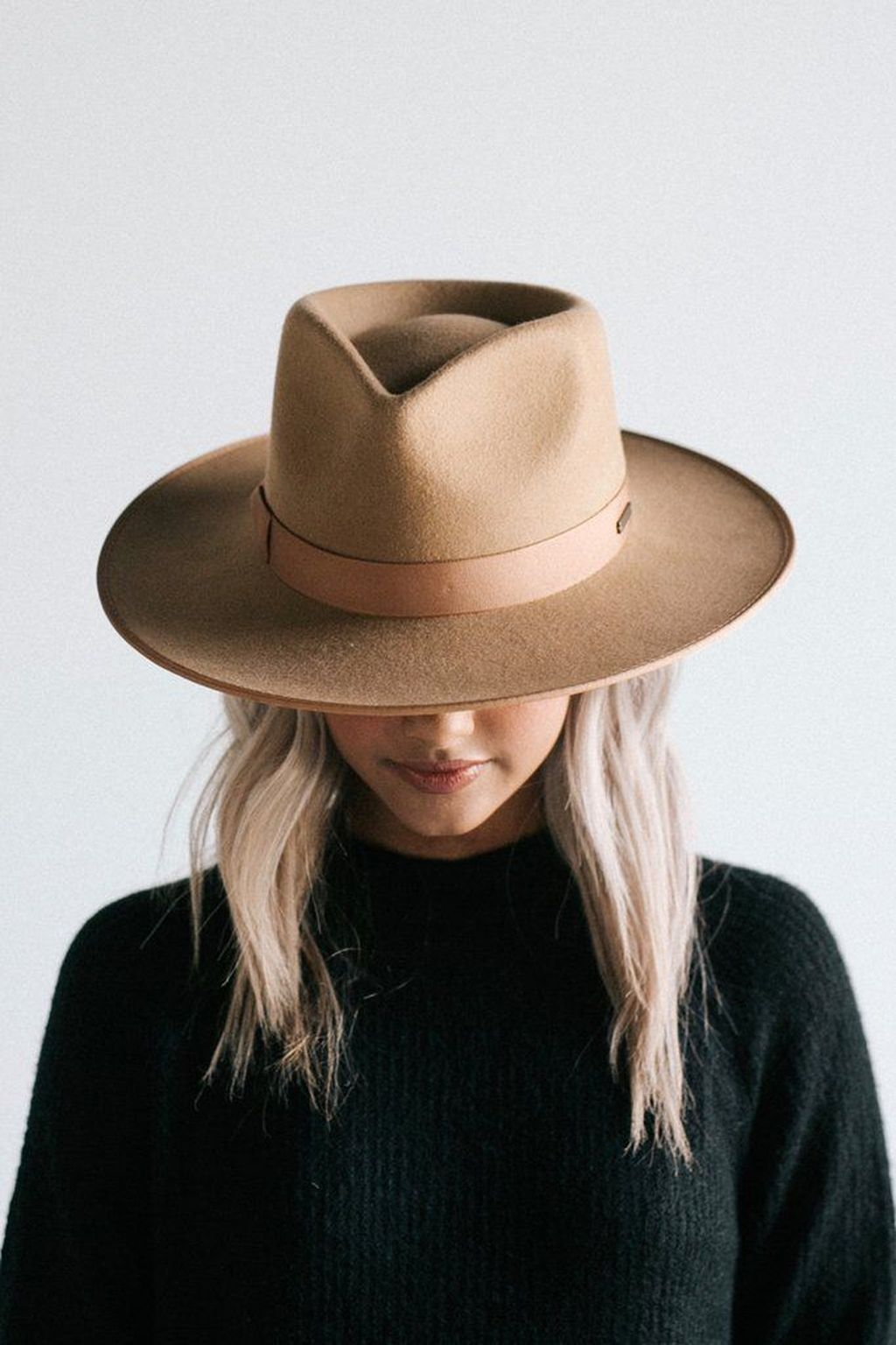 40 Fantastic Hats Styles Ideas For Fashion Obsessed Wear4trend Women Hats Fashion Felt Hat Outfit Outfits With Hats