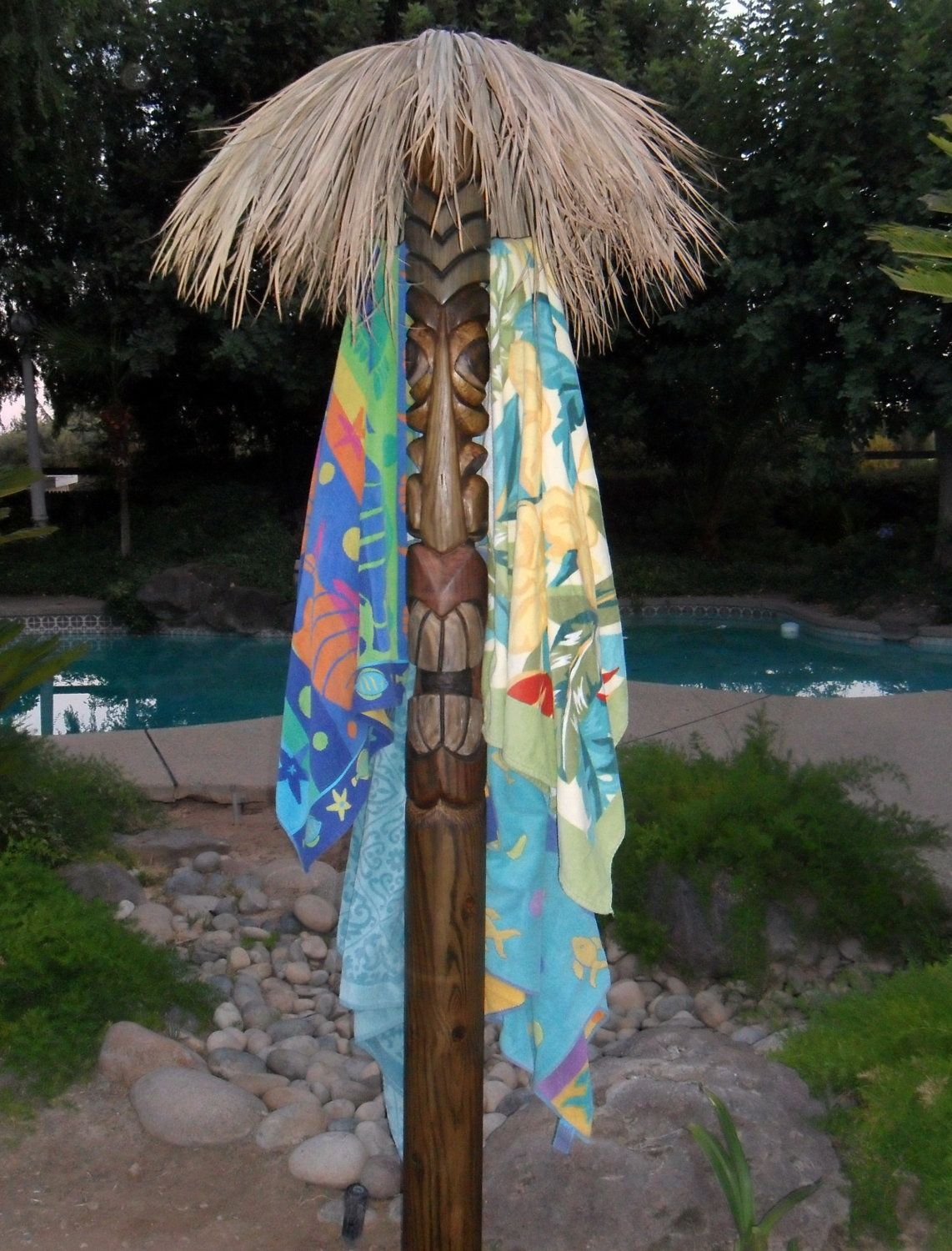 Tiki Pole Towel Rack Stands Over 8 Feet Tall This Tiki Totem Easily Holds 5 Large Beach Towels