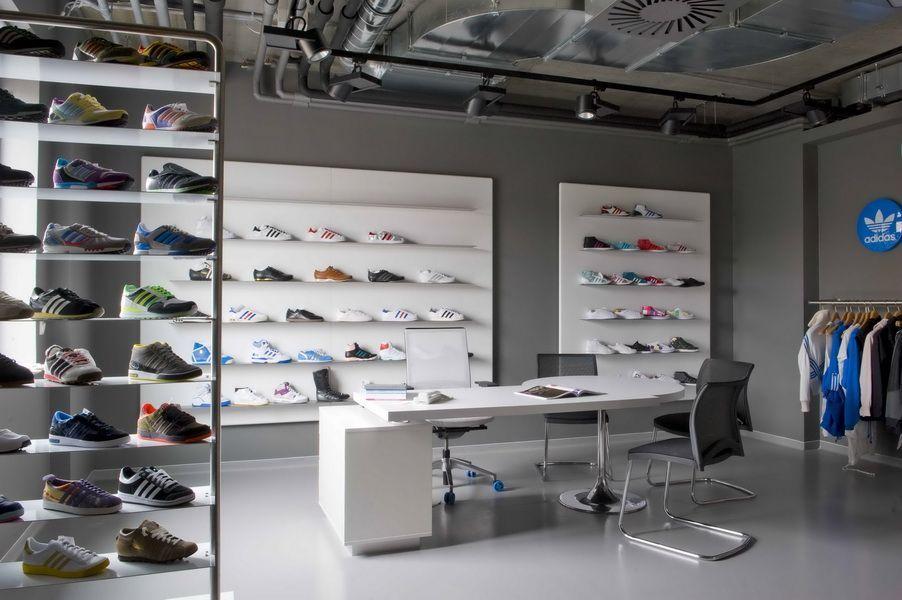 Budapest adidas showroom - ARCHITECTURE