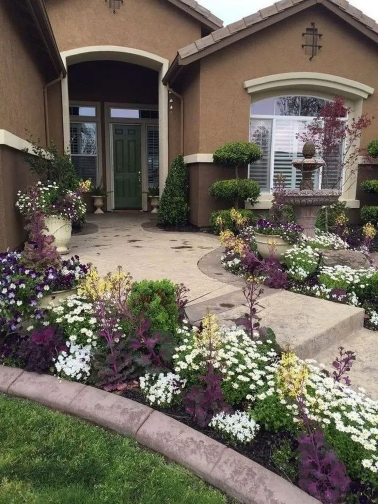 37 Beautiful Front Yard Landscaping Ideas On A Budget In 2020 Front Yard Landscaping Front Yard Flowers Small Front Yard Landscaping