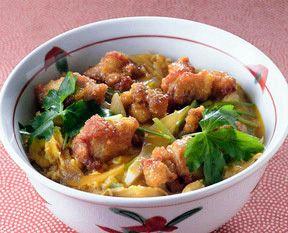 めんつゆのふわふわ親子丼の作り方・コツ|卵の溶き方~保存方法まで ... から揚げ親子丼