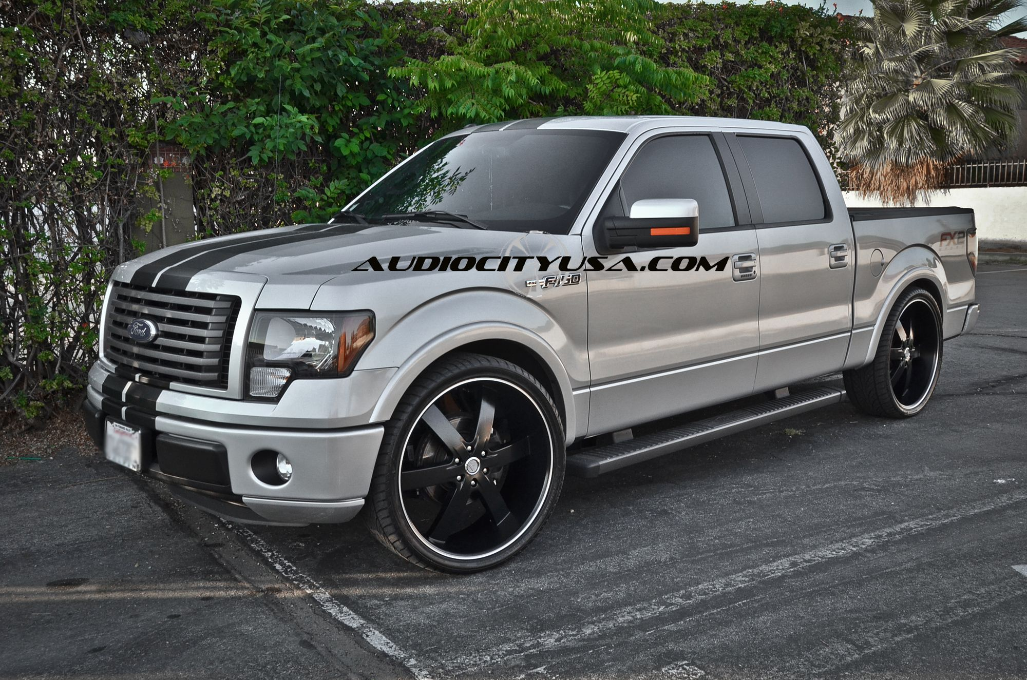 White Ford F 150 With Black Racing Stripe Truck Suvs 1955 F100 Mickey Thompsons