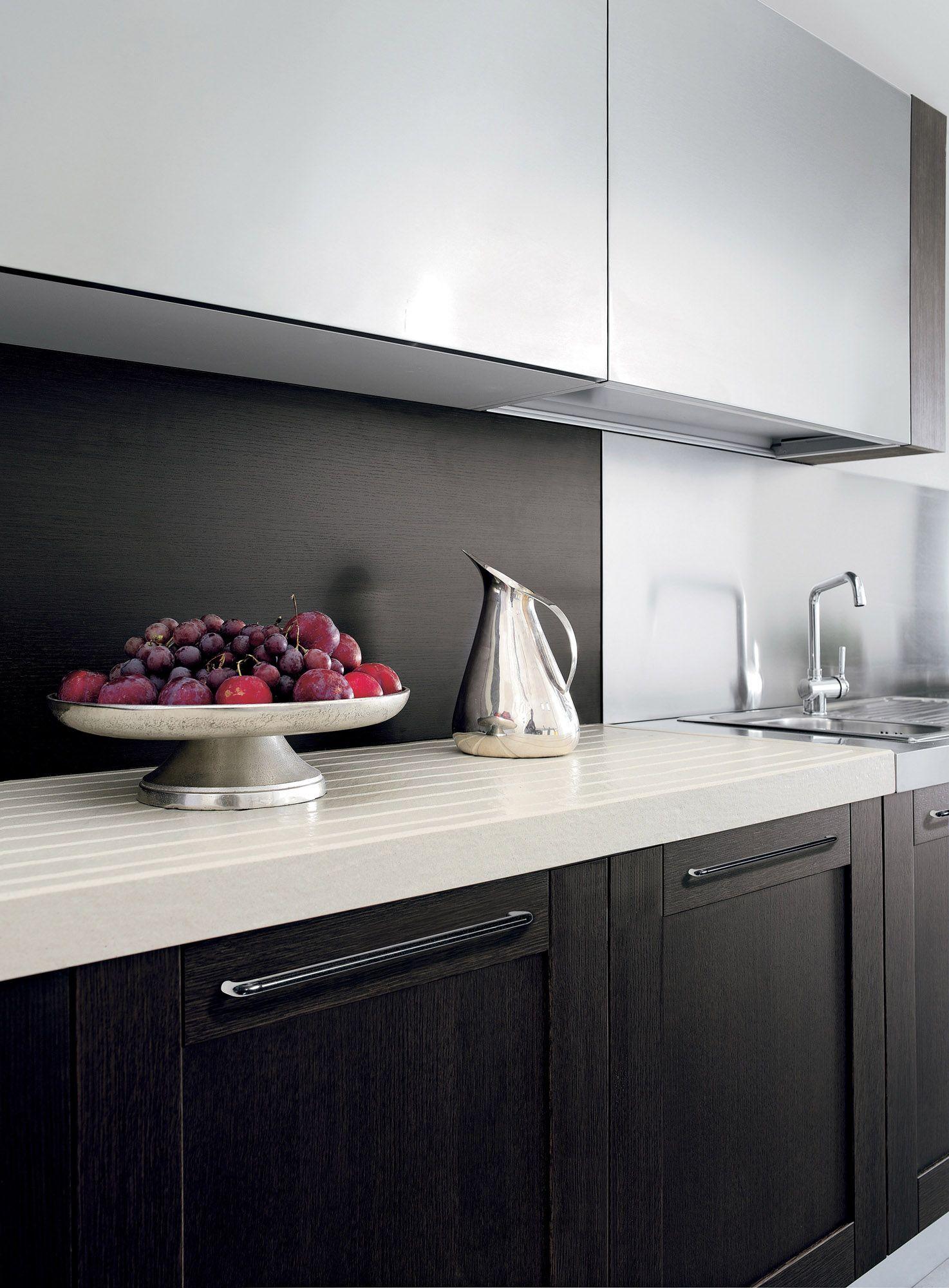 Licia By Aran Cucine European Cabinets Design Studios Italian Kitchen Cabinets Italian Kitchen Contemporary Kitchen Cabinets