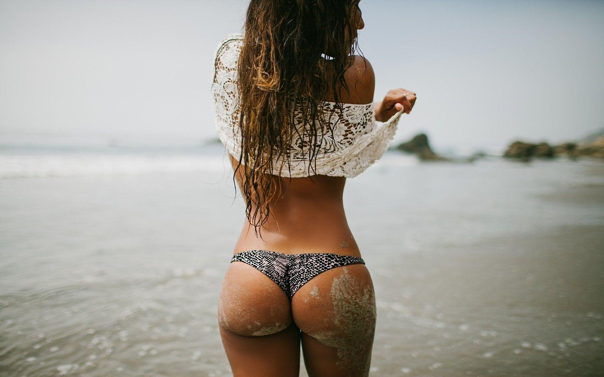 Beach Butt Wallpaper