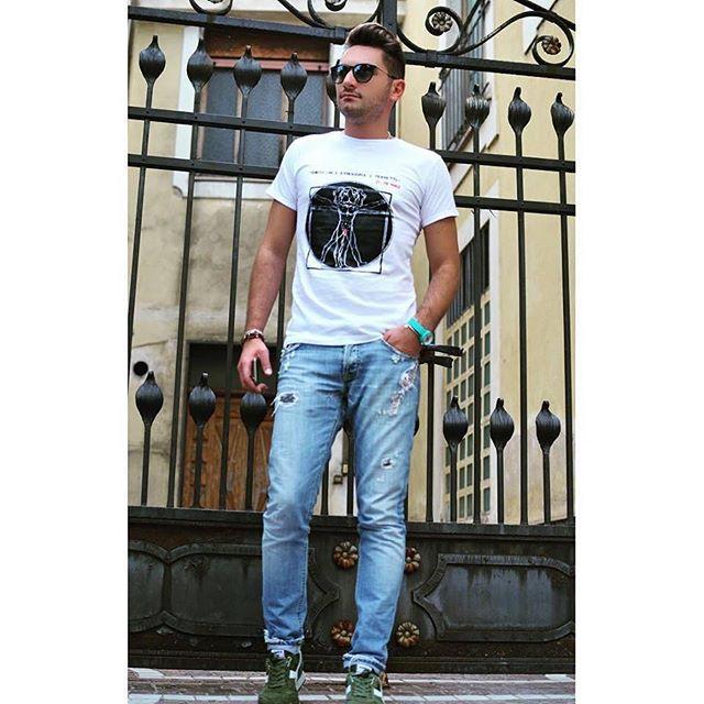 """Anche @christianmuraglia indossa Gaspy!"" #gaspypeople #fashion #fashionblogger #tshirt #newbrand #madeinitaly #design #beagle #style #cool #crazy #look #gent #fun #fashion #fashionlovers #happy #ootd"