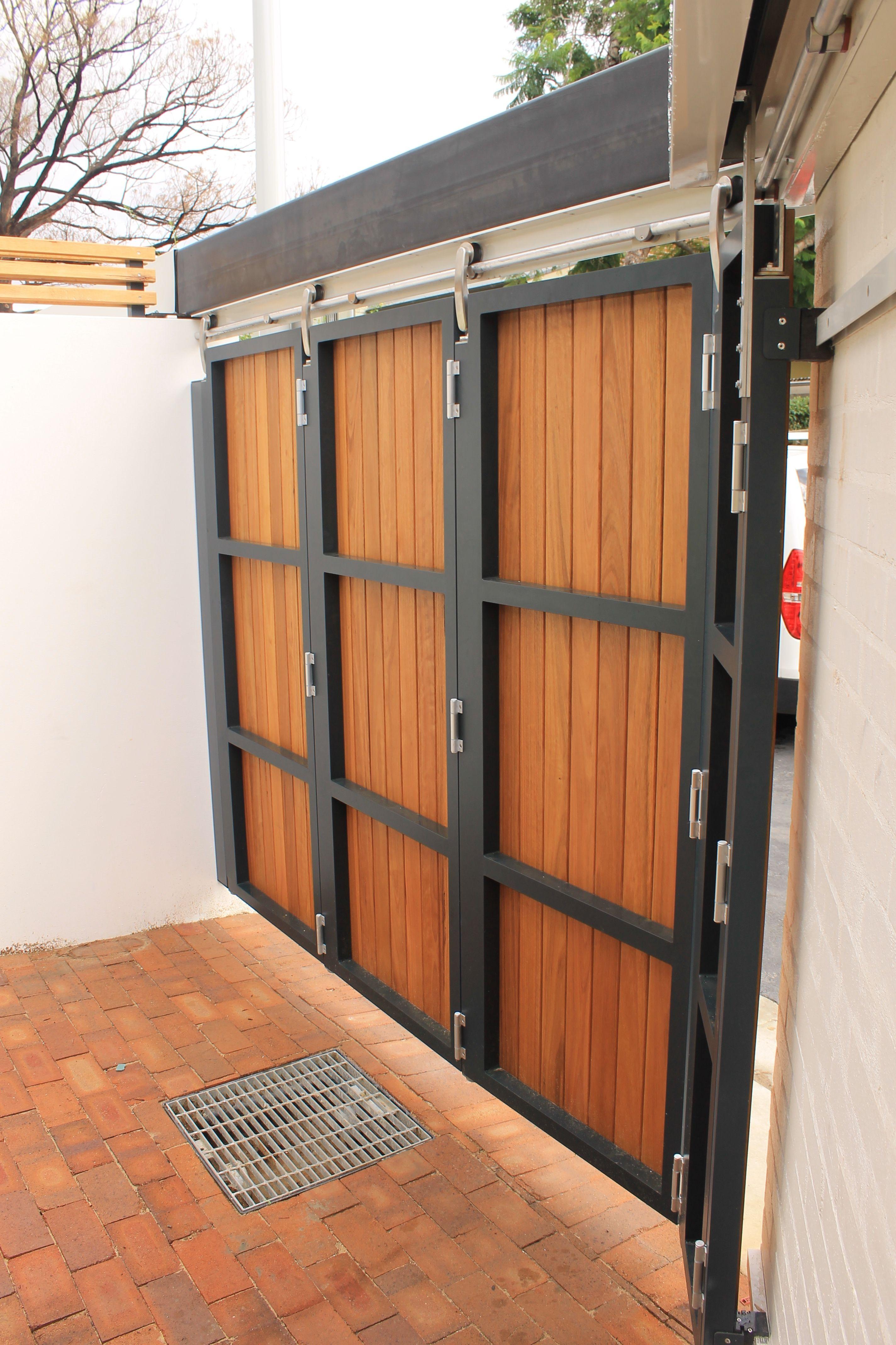 Instalacion Mantenimiento Reparacion De Puertas Portones Gates Door En Lima 982114171 House Gate Design Garage Door Design Door Gate Design