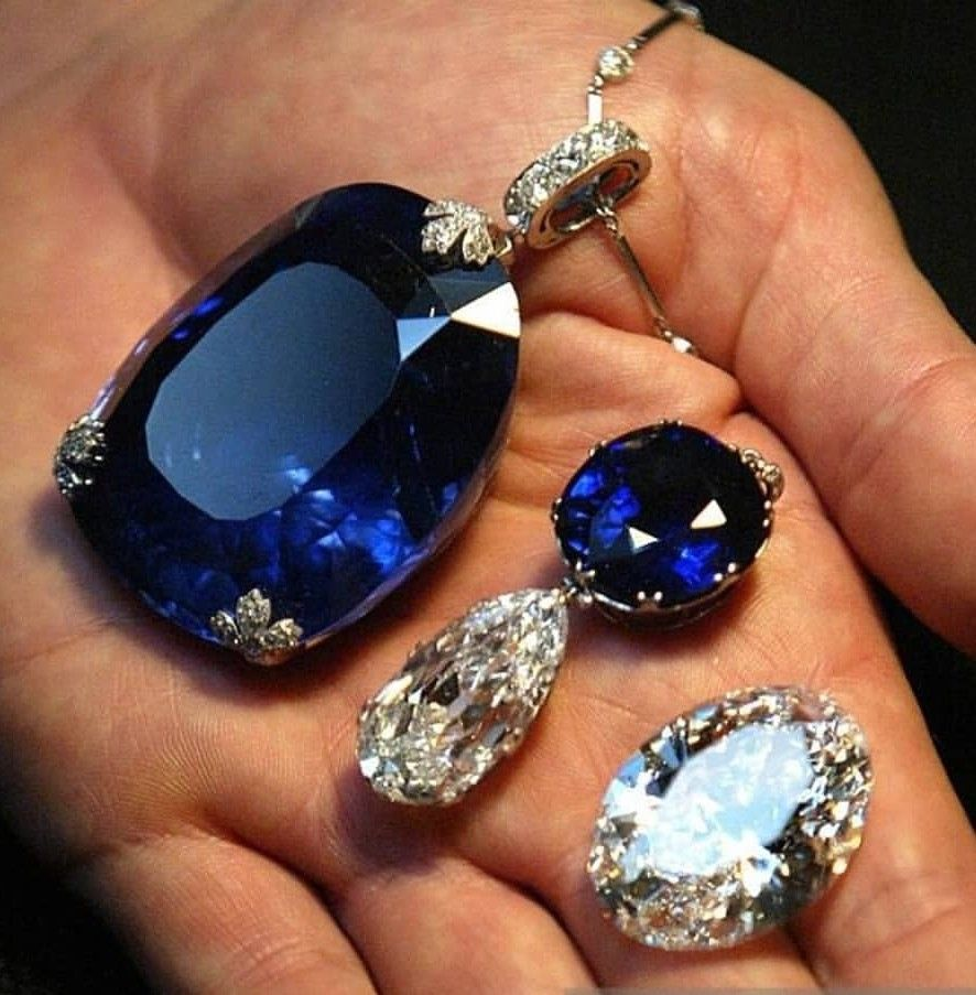 Sapphire and diamonds together or as a separate pendant jewels